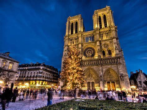 A Parigi by Cattedrale Di Notre Dame A Parigi