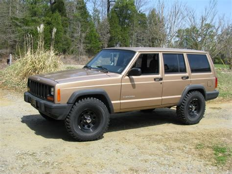 stock jeep wheels and tires 31 quot tires on a stock xj jeepforum com jeep cherokee xj