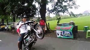 Honda Astrea Legenda Standing Bikers Surabaya