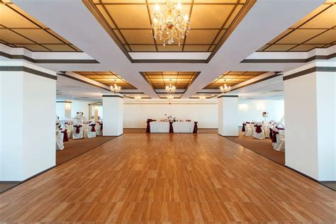 Maple Dance Floor   SnapLock Dance Floors