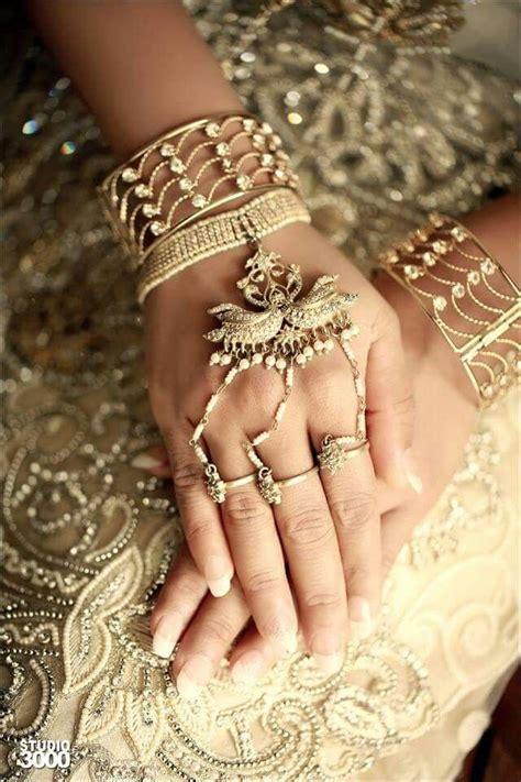 Wedding Dress (sri Lanka  Traditional ) — Steemit. Sulemani Emerald. Bright Green Emerald. 9x7mm Emerald. Opaque Emerald Emerald. Double Emerald. Ct Emerald Emerald. Kind Emerald. Gemstone Emerald