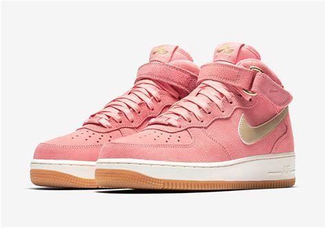 Nike Wmns Air Force 1 Mid Bright Melon 818596800