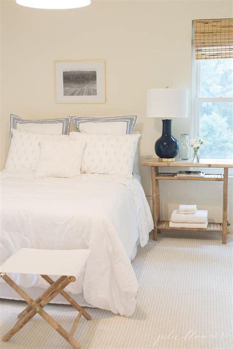 Small Bedroom Decor Ideas by Small Bedroom Ideas