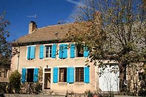 La Maison Du Volet : la maison aux volets bleus office de tourisme d 39 aumont aubrac ~ Melissatoandfro.com Idées de Décoration