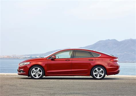 Ford Mondeo Sedan Specs & Photos