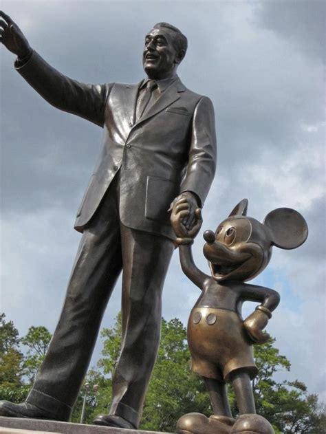 funny celebrity statues  pics izismilecom