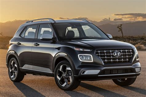 Engine sizes and transmissions vary from the wagon 1.6l 6 sp manual to the wagon 1.6l 6 sp automatic. HYUNDAI Venue specs & photos - 2019, 2020 - autoevolution