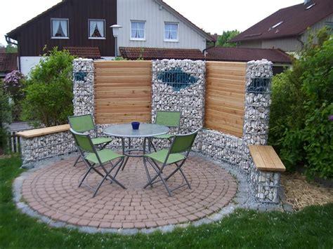 Gartenzaun aus stein und anderen naturmaterialien. 12 Sitzecke Garten Stein - Garten Gestaltung, Gartengestaltung, Gartenstuhl Kinder, Geniale ...