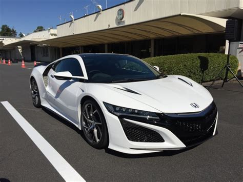 quick spin  drive   acura nsx   briefly