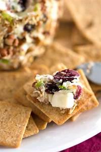 Blue Cheese Cranberry Cheese Ball - Kitchen Gidget