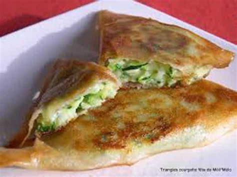 recette cuisine grecque triangles à la fêta recette grecque la bonne cuisine