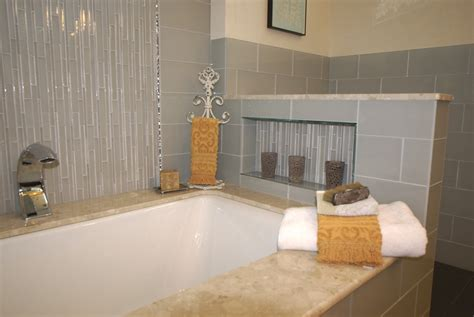 Tub Shower Remodel by Shower Niche Design Build Planners