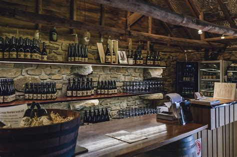 � unde puteți bea o cafea preparata corect și citi o carte. A Weekend Adventure For Those Who Love Pinot Noir And Gin (With images) | Wine storage, Pinot ...