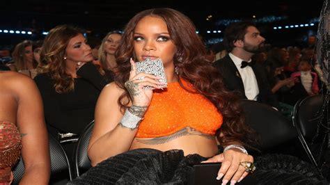 Grammys 2017: Rihanna's Diamond Flask - Essence