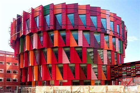Deconstructivism And Its 10 Most Amazing Buildings