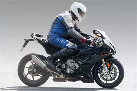 Bmw S1000r 2020 by 2018 Bmw S1000rr Could Debut At Eicma Next Month
