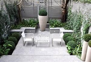 Große Pflanzkübel Richtig Befüllen : 25 gro artige ideen f r kleinere patios ~ Buech-reservation.com Haus und Dekorationen