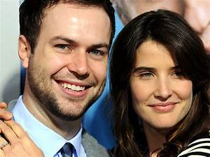 Cobie Smulders, 'SNL' star tie the knot - TODAY Entertainment