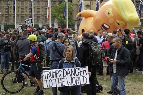 Balloon Toilet Trump