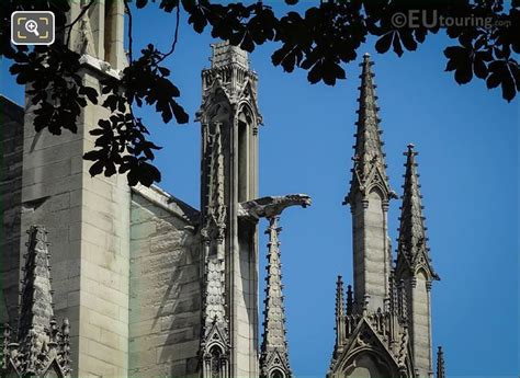 hd photographs  gargoyles  notre dame cathedral  paris