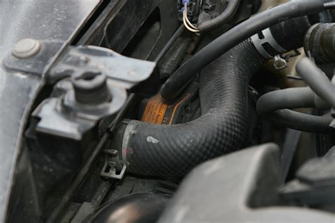 How To Replace A Leaking Radiator Hose
