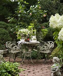 Gemütliche Sitzecke Im Garten : einen pr chtigen garten gestalten erholungsecke im freien ~ A.2002-acura-tl-radio.info Haus und Dekorationen