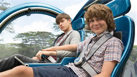 jurassic gray zach gyrosphere ty simpkins robinson nick spoiler blockbuster examination ugly filled setting record bad film movies