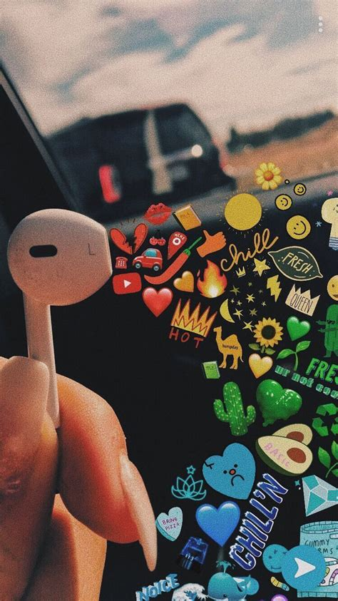 Aesthetic Headphone Iphone Emoji Aesthetic Wallpaper by Earphones Snapchat Vsco Maggieeandersonnnn