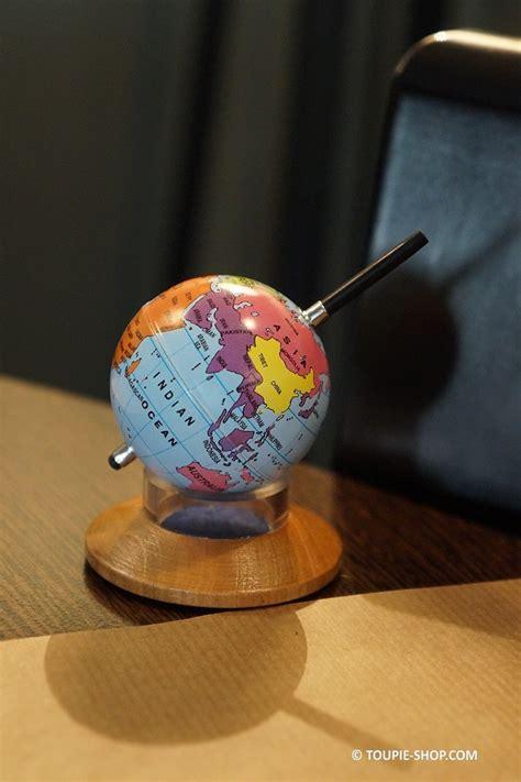 jeux au bureau mappemonde toupie m 233 tal jeux au bureau cadeau original globe terrestre
