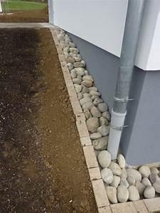 Faire Un Parterre De Galets : galets tout autour de la maison notre futur chez nous ~ Dailycaller-alerts.com Idées de Décoration
