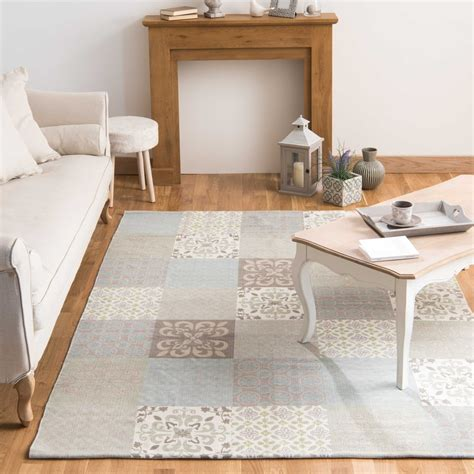 ambiance chambre ado tapis motifs carreaux de ciment 160 x 230 cm provence