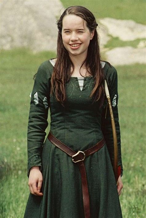 chronicles  narnia costumes images