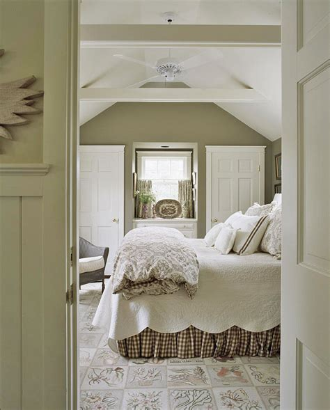 Cool Calm Creative Nantucket Cottage by Cool Calm Creative Nantucket Cottage Traditional Home
