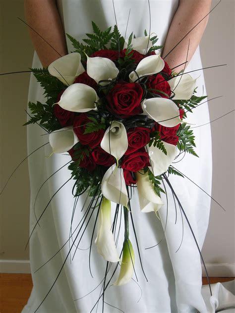 wedding addict red  white bridal bouquet