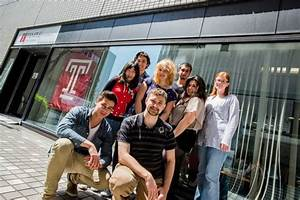 Foreign Colleges Feel Globalization