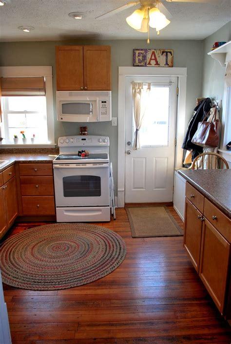 kitchen silver sage refresh craftycrafty kitchen wall