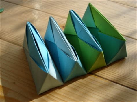 Schachtel  Fadenspiel Und Fingerwerk