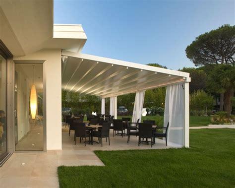 idees de pergola avec rideaux moderne dans le jardin