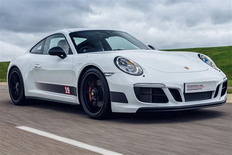 porsche  carrera  gts british legends edition launches