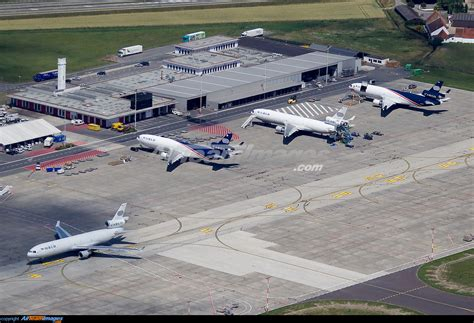Ostend Bruges Airport - Large Preview - AirTeamImages.com