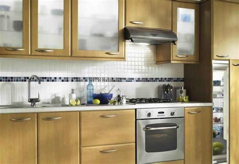 les modeles des cuisines marocaines meuble de cuisine en bois massif cuisine chene massif