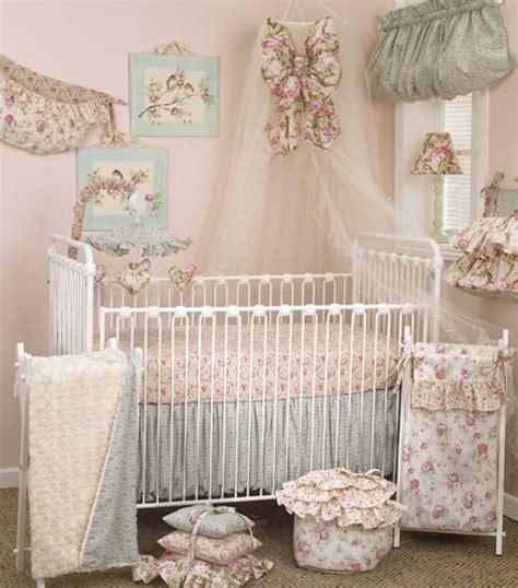 chambre romantique fille décoration chambre bébé fille 99 idées photos et astuces