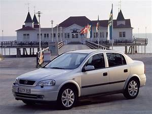 Opel Astra 1999 : opel astra sedan 1998 1999 2000 2001 2002 2003 2004 autoevolution ~ Medecine-chirurgie-esthetiques.com Avis de Voitures