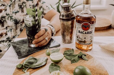 10 Black Food Rezepte Fuer Schwarzromantiker Und Ein Exzentrisches Abendessen by Rum Rezepte Cocktails