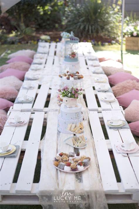 white pallet board guest tablescape   vintage bunny