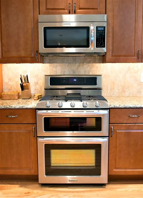 how to organize a kitchen small ovens for small kitchens kitchen design ideas 7294