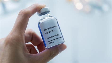 W związku z tym, że choroba pojawiła się w nieuodpornionej populacji nagle w drugiej połowie 2019 roku, zaczęła się szerzyć w sposób niekontrolowany i w błyskawicznym tempie dotknęła społeczeństwa wszystkich krajów na świecie. Szczepienia na koronawirusa. Podano kalendarz szczepień przeciwko COVID-19 | Dzień Dobry TVN