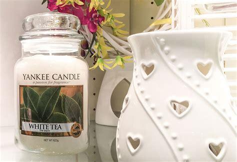Candela Yankee by Candela Yankee Candle Le Fragranze Di Aprile
