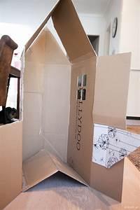 Haus Aus Pappe Basteln : upcycling diy faltbares spielhaus und kaufladen aus einem einzelnen karton basteln mini and me ~ A.2002-acura-tl-radio.info Haus und Dekorationen
