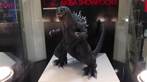 S.h.monsterarts Godzilla(2001) Display
